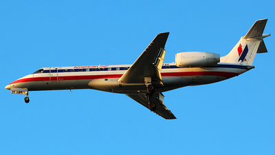 A picture of N717AE - Embraer ERJ135LR - [145272] - © Dave Lu