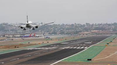 KSAN - Airport - Runway