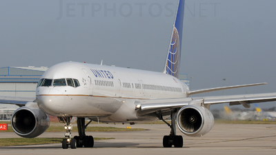 N14121 - Boeing 757-224 - United Airlines