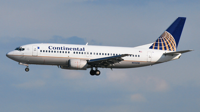 N12318 - Boeing 737-3T0 - Continental Airlines