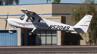 A picture of N52049 - Cessna 162 Skycatcher - [16200021] - © Felipe Garcia