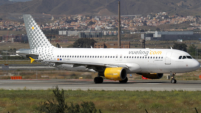 EC-KBU - Airbus A320-214 - Vueling Airlines