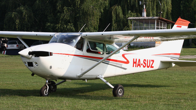 HA-SUZ - Cessna 182P Skylane - Private