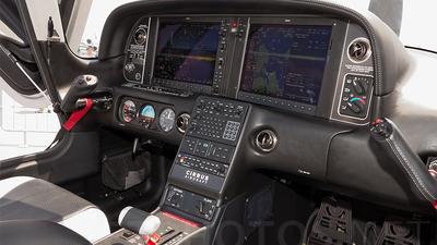 HS-NYB - Cirrus SR22T-GTS - Private