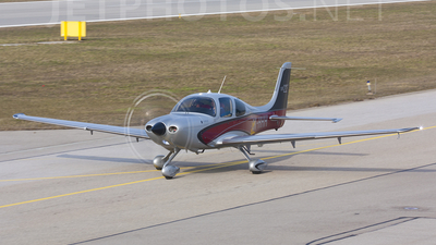 OK-HHH - Cirrus SR22-GTS - Private