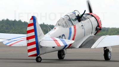 N60734 - North American SNJ-2 Texan - Private