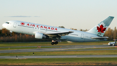 C-FBEG - Boeing 767-233(ER) - Air Canada