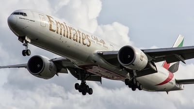 A6-EBD - Boeing 777-31HER - Emirates