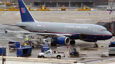 N855UA - Airbus A319-131 - United Airlines