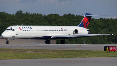 N948DL - McDonnell Douglas MD-88 - Delta Air Lines