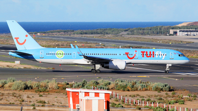 SE-RFO - Boeing 757-204 - TUIfly Nordic