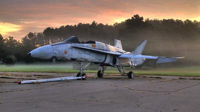 160776 - McDonnell Douglas F-18A Hornet - United States - US Navy (USN)