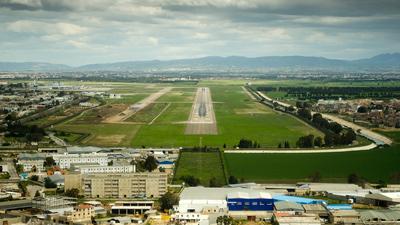 DAAG - Airport - Runway