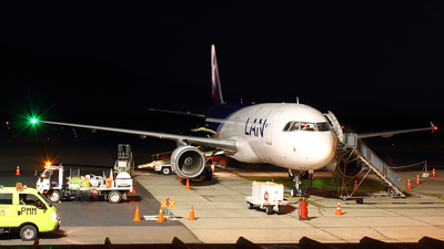 CC-BAV - Airbus A320-214 - LAN Airlines
