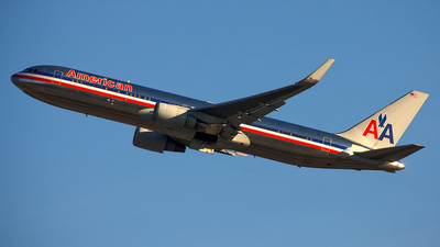 N387AM - Boeing 767-323(ER) - American Airlines