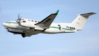 7T-WRM - Beechcraft B300 King Air 350 - Algeria - Air Force