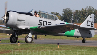 N502 - North American SNJ-5 Texan - Private