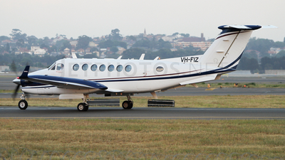 VH-FIZ - Beechcraft B300 King Air 350 - Pearl Aviation