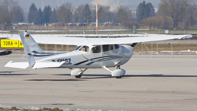 D-EMGZ - Cessna 172S Skyhawk SP - Private