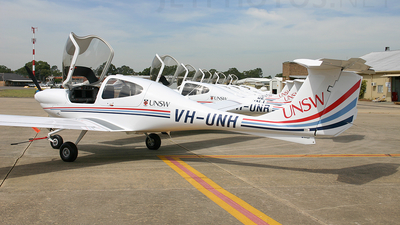 VH-UNH - Diamond DA-40 Diamond Star - University of New South Wales