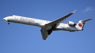 C-FNJZ - Bombardier CRJ-705LR - Air Canada Express (Jazz Aviation)