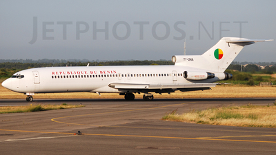 TY-24A - Boeing 727-256(Adv) - Benin - Government