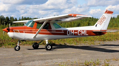 OH-CML - Cessna 152 II - Private