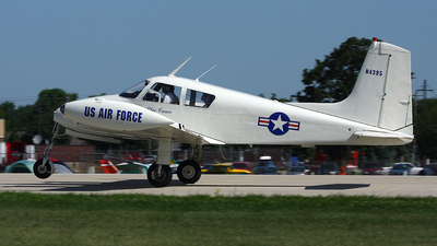 A picture of N4395 -  - [38114] - © Paul Chandler