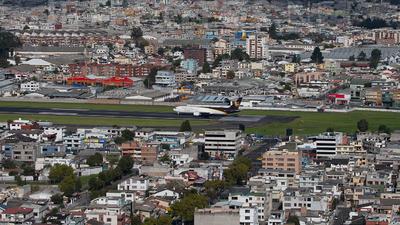 SEQU - Airport - Runway