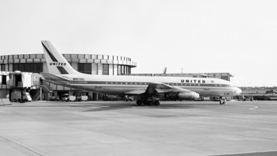 N8010U - Douglas DC-8-11 - United Airlines