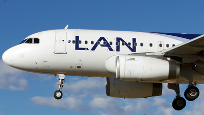 CC-CYF - Airbus A319-132 - LAN Airlines