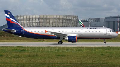 D-AZAT - Airbus A321-211 - Aeroflot