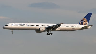 N75854 - Boeing 757-324 - Continental Airlines