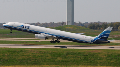 A picture of N821BX -  - [] - © Nick Michaud
