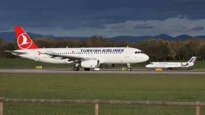 TC-JBI - Airbus A320-232 - Turkish Airlines