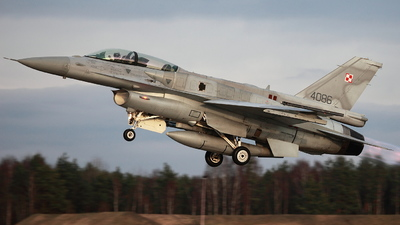 4086 - Lockheed Martin F-16D Fighting Falcon - Poland - Air Force