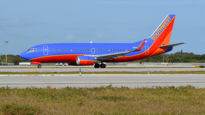N382SW - Boeing 737-3H4 - Southwest Airlines