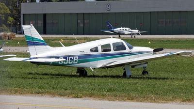 A picture of FGJCB - Piper PA28R201 - [28R7837053] - © Eric Verplanken