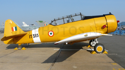 IT365 - North American AT-16 Harvard IIB - India - Air Force