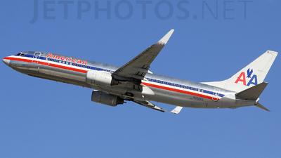Boeing 737-823 - American Airlines