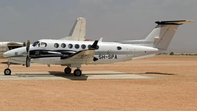 5H-SPA - Beechcraft B300 King Air 350 - Private