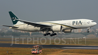 AP-BGZ - Boeing 777-240LR - Pakistan International Airlines (PIA)