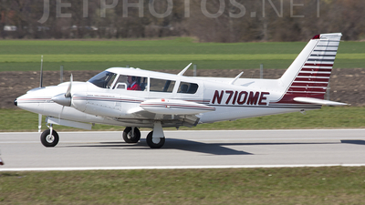 N710ME - Piper PA-39-160 Turbo Twin Comanche C/R - Private
