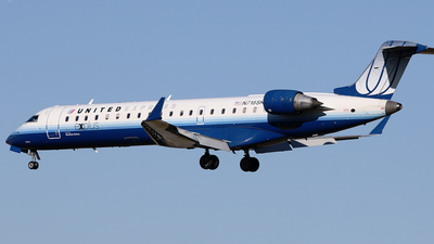 N718SK - Bombardier CRJ-701 - United Express (SkyWest Airlines)