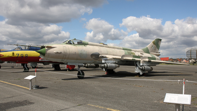 98-61 - Sukhoi Su-20R Fitter C - German Democratic Republic - Air Force