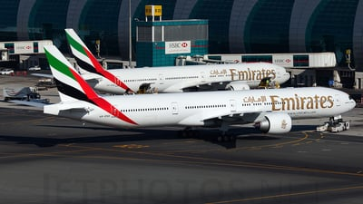 A6-END - Boeing 777-31HER - Emirates