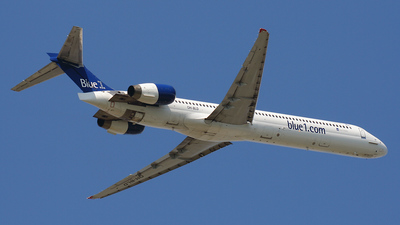 OH-BLD - McDonnell Douglas MD-90-30 - Blue1