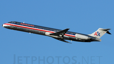 A picture of N597AA - McDonnell Douglas MD83 - [53287] - © Agustin Anaya
