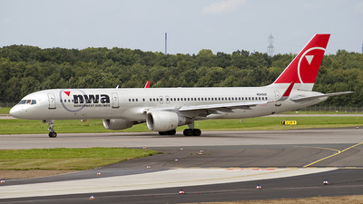 N545US - Boeing 757-251 - Northwest Airlines