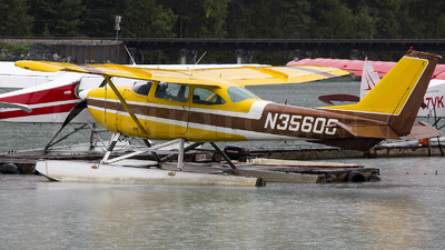 N35608 - Cessna 172I Skyhawk - Private